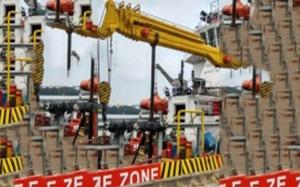 船用液压式起重机
